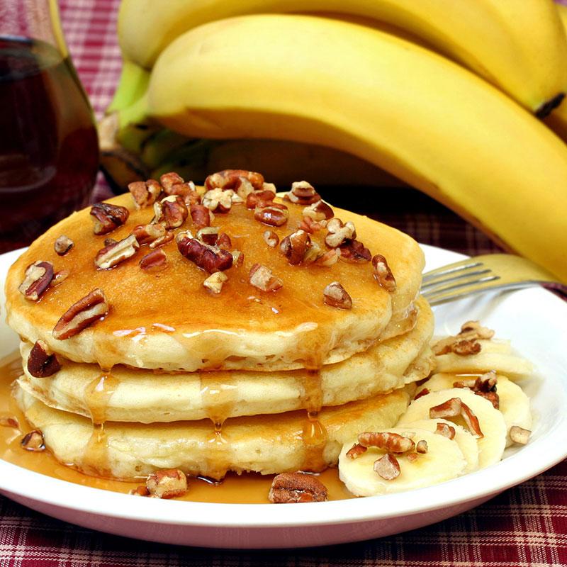 Bananer och pannkakor – populär gul mat. Foto: IBL