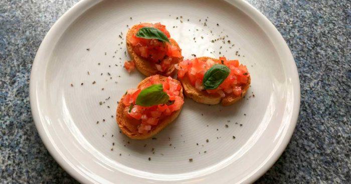 Bruschetta med chili, tomat och persiljeolja