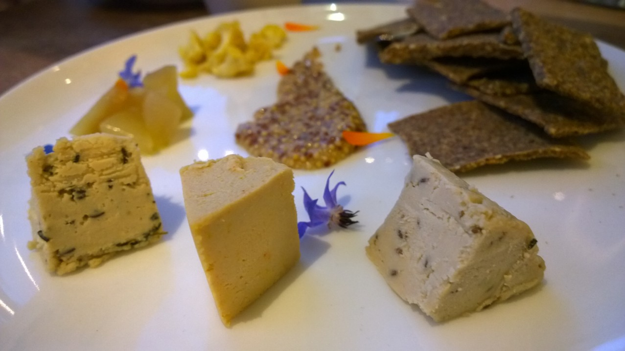 Tree nut cheese platter