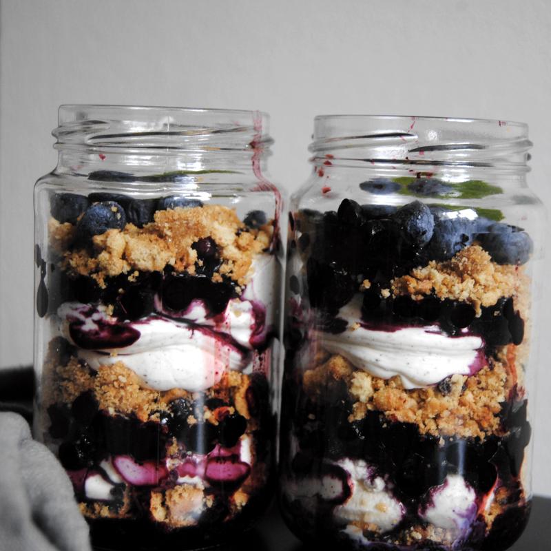 Blåbärscheesecake. Recept och foto: Sofia Henriksson.