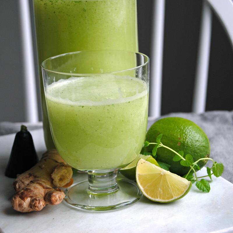 Fräsch drink full av vitaminer. Foto och recept: Sofia Henriksson.